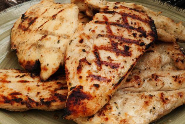 Recette facile de marinade à l'ail et à la sauce ranch pour le poulet!