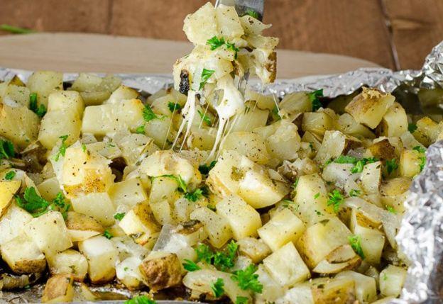 Les meilleures patates gratinées à l'ail sur le BBQ!