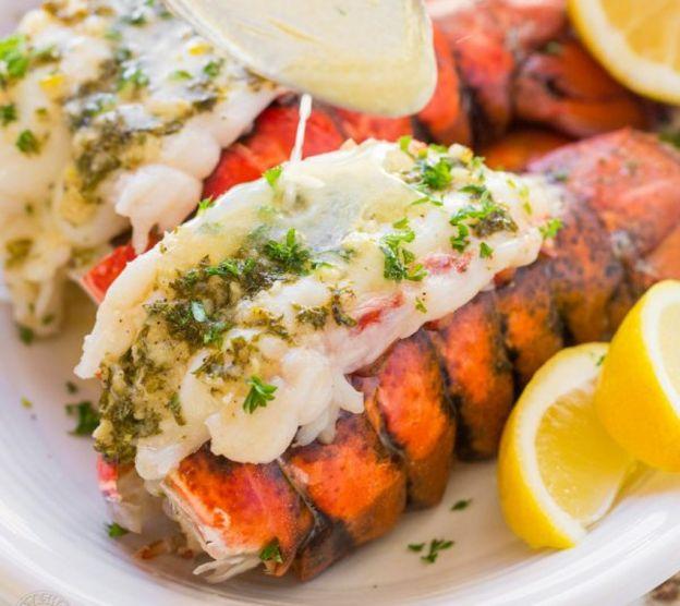 Recette facile de queues de homard au beurre à l'ail