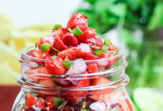 Recette facile de salsa aux fraises (5 ingrédients)