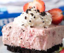 Gâteau au fromage aux fraises et biscuits Oréo