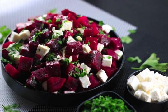 Recette facile de salade de betteraves et fromage feta!