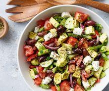 Salade grecque à l'avocat