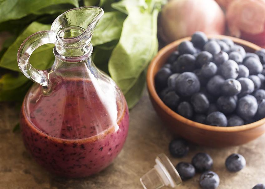 La recette facile de vinaigrette aux bleuets!