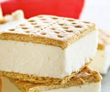 Sandwich de biscuits Graham à la crème glacée