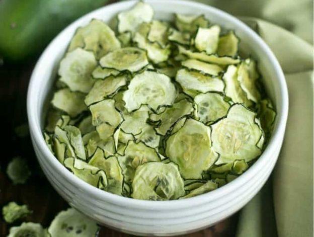La recette facile de chips de concombre au sel et vinaigre!