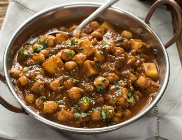 Une recette facile de curry de pois chiches et de patates!