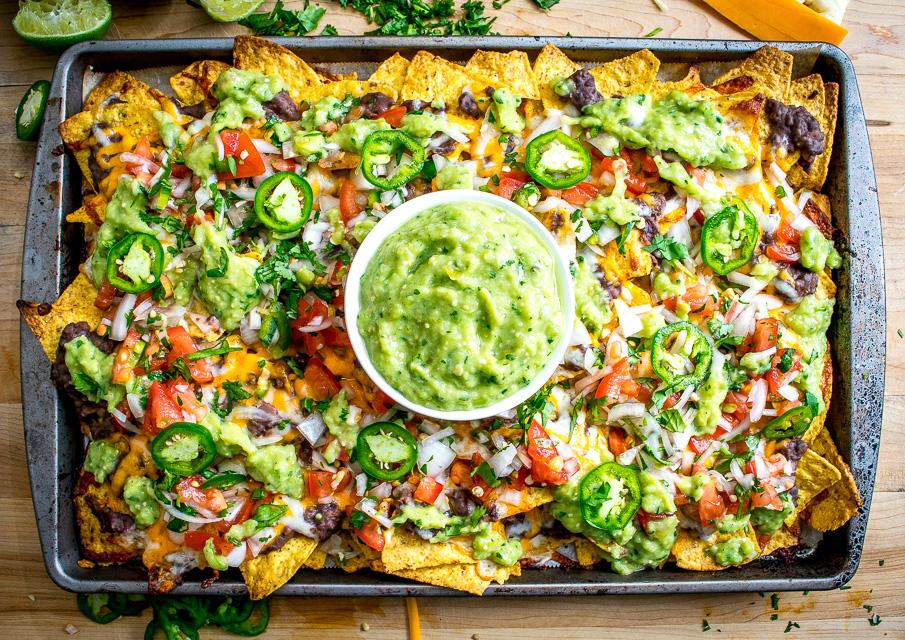 La recette facile des nachos végétarien aux fèves noires!