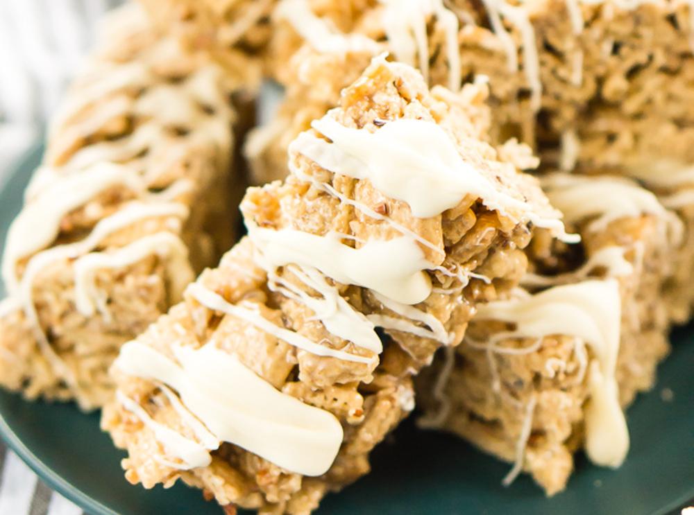 La recette facile de barres aux céréales, beurres et pacanes!