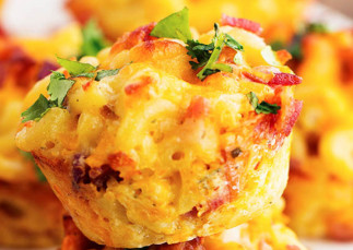 La recette facile de cupcakes de Mac & Cheese ranch et bacon!