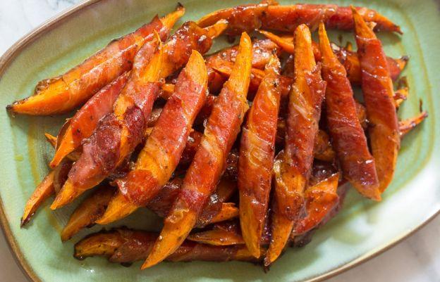 La recette facile de patates douces enveloppées de prosciutto glacé à l'érable!