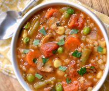 Soupe aux légumes et à l'orge