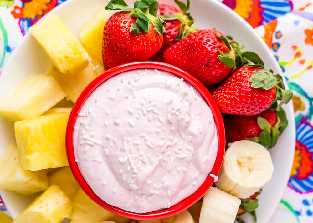 La meilleure recette de trempette aux fraises pour les fruits!