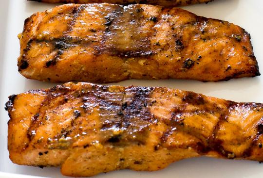 La recette facile de saumon à l'érable et moutarde de Dijon!