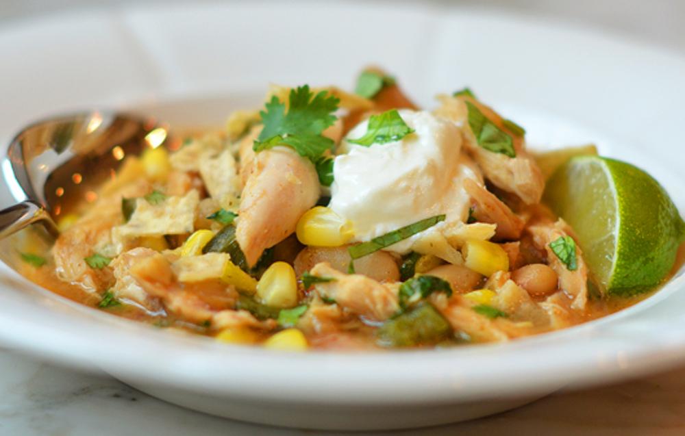 Une recette facile et santé de chili blanc au poulet!