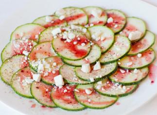 La recette parfaite de salade de courgettes au fromage feta!