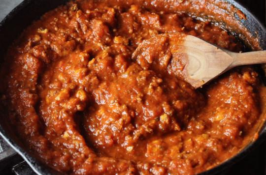 La meilleure recette de sauce bolognaise au tofu (Super facile à faire!)