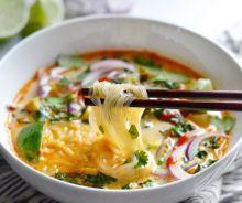 Soupe thaï au légumes et curry