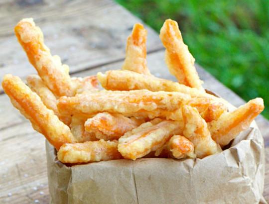 La recette parfaite de frites de patates douces au tempura de noix de coco!