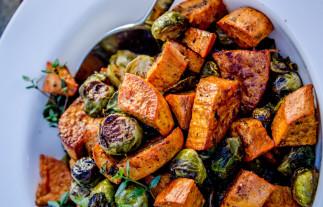 La recette facile de patates douces et choux de Bruxelles rôties!
