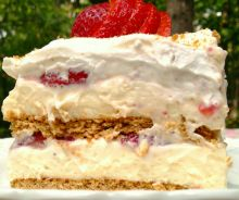 Gâteau glacé au fromage et fraises