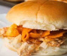 Sandwich au poulet BBQ et Fritos