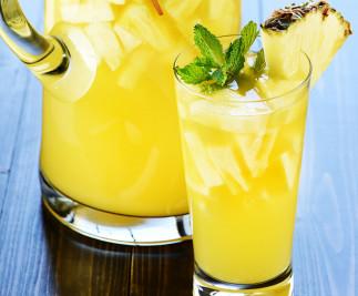 La recette facile de sangria pétillante à l'ananas!