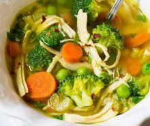 Soupe santé de poulet aux légumes