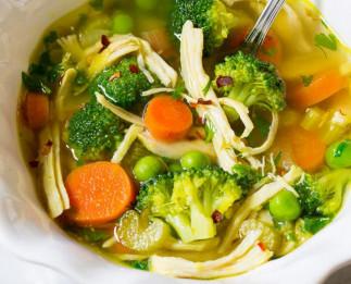 La meilleure recette de soupe santé de poulet aux légumes!