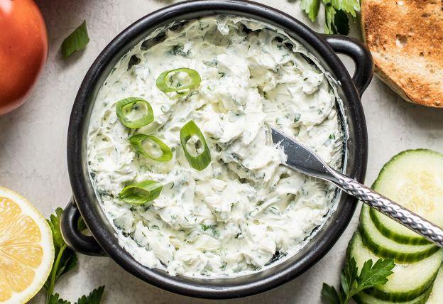La recette facile de trempette aux échalotes, herbes et fromage à la crème!