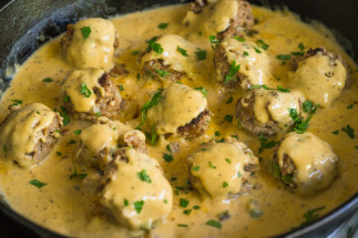 Boulettes de viande au fromage (style Philly Cheesesteak)