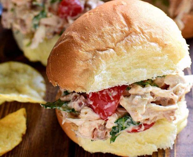 La meilleure recette de salade de poulet au BLT!