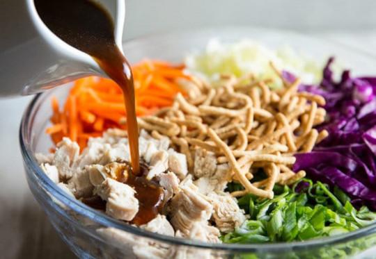 La meilleure recette de salade de poulet à la chinoise!