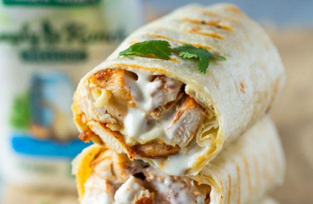 La recette facile de wrap au poulet à la sauce ranch!