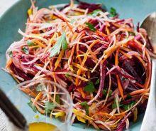 Salade de betteraves, carottes et pommes