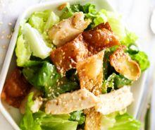 Salade croustillante de wonton au poulet