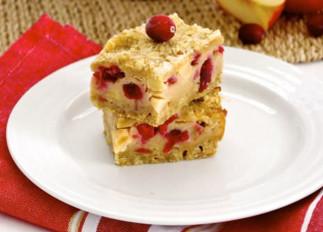 La recette facile de barres de tarte aux pommes et canneberges!