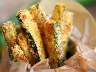 La meilleure recette de frites santé de zucchini cuites au four!