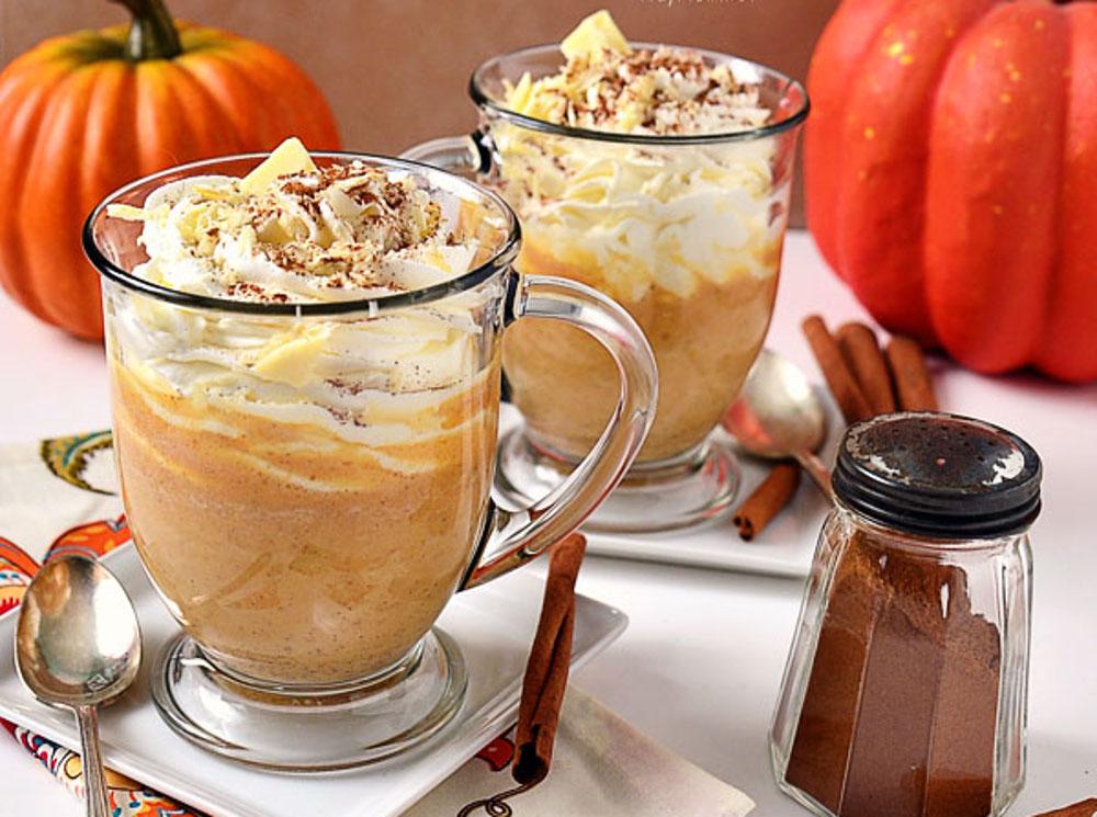 La meilleure recette de latte au chocolat blanc et citrouille épicée!