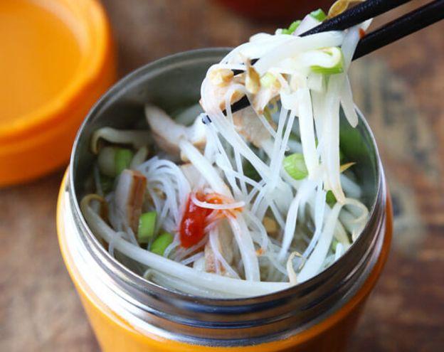 La recette facile de soupe thaïlandaise dans une tasse!