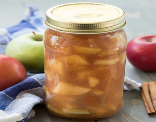 La meilleure recette de conserves de garniture à tarte aux pommes!