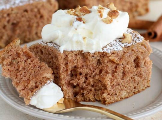 La meilleure recette facile de gâteau à la compote de pommes!