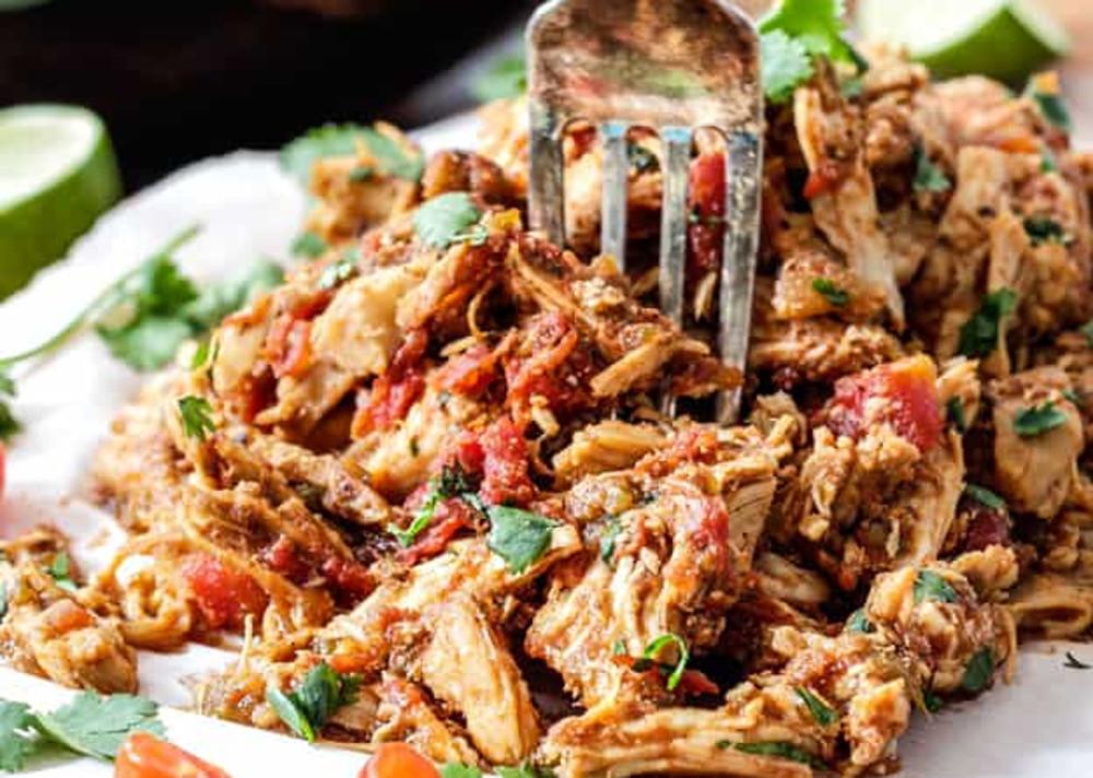 La recette parfaite de poulet effiloché mexicain dans la mijoteuse!