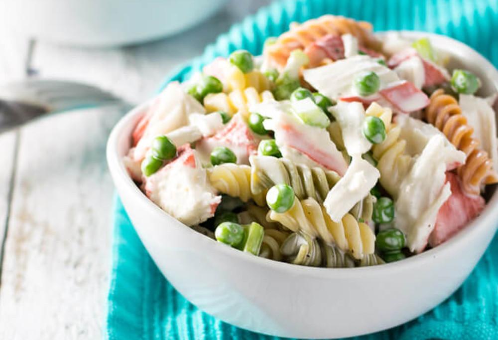 La meilleure recette de salade crémeuse de pâtes aux fruits de mer!