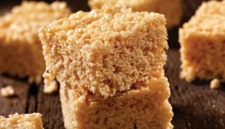Des carrés aux Rice Krispies à l'érable pour les fêtes... Miam!
