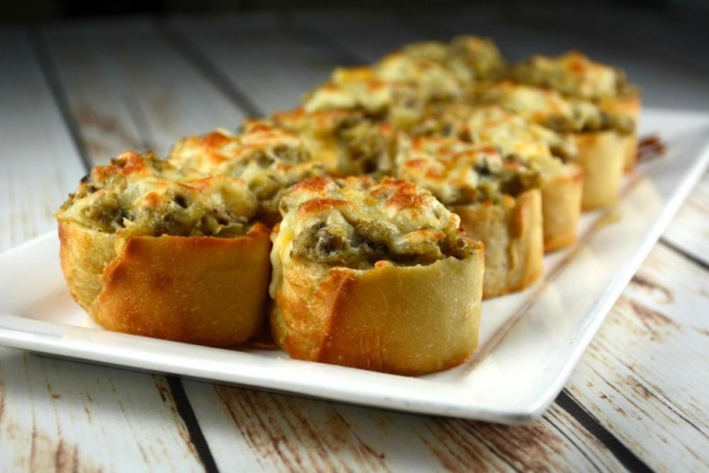 Les petites bouchées croustillantes aux champignons gratinés! On en raffole...