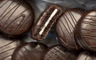 Ces biscuits Oréo enrobés de chocolat sont totalement décadents!