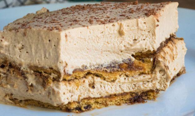 Ce délicieux gâteau glacé au café ne demande aucune cuisson!