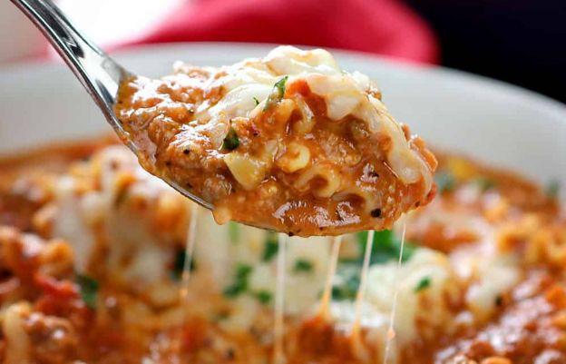 Cette soupe à la lasagne est vraiment délicieuse et super facile à faire!