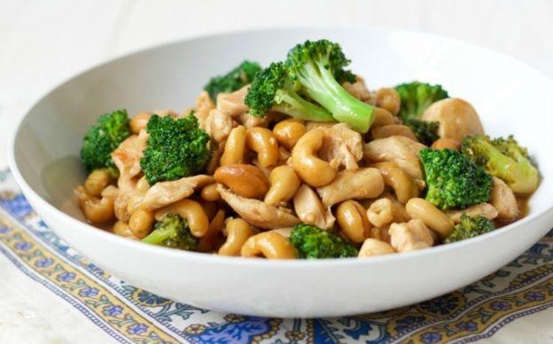 La meilleure recette de poulet au brocoli et aux noix de cajou (style One Pan)!